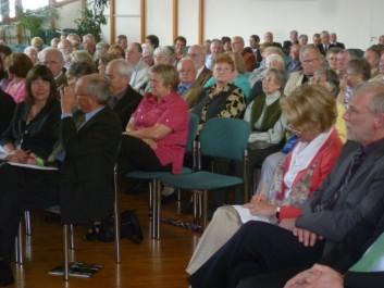 Blick in die Gästeschar mit Ministerin Ulrike Höfken u.a.