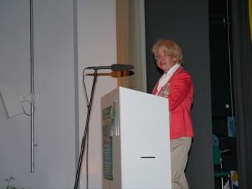 Astrid Schmitt bei ihrem Grußwort
