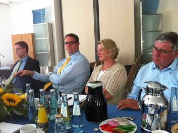 Fachgespräch mit Gesundheitsminister Alexander Schweitzer und MdL Astrid Schmitt in den AHG-Kliniken Daun